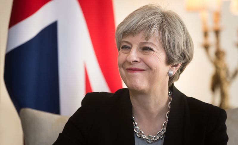 Theresa may smiling 800x487